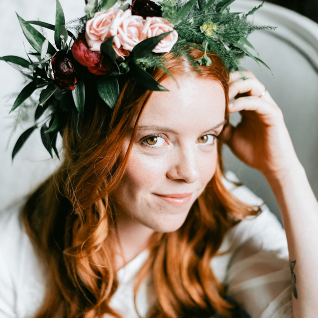 BEEPIE | Flower Crown Workshop & Beauty Portrait Session