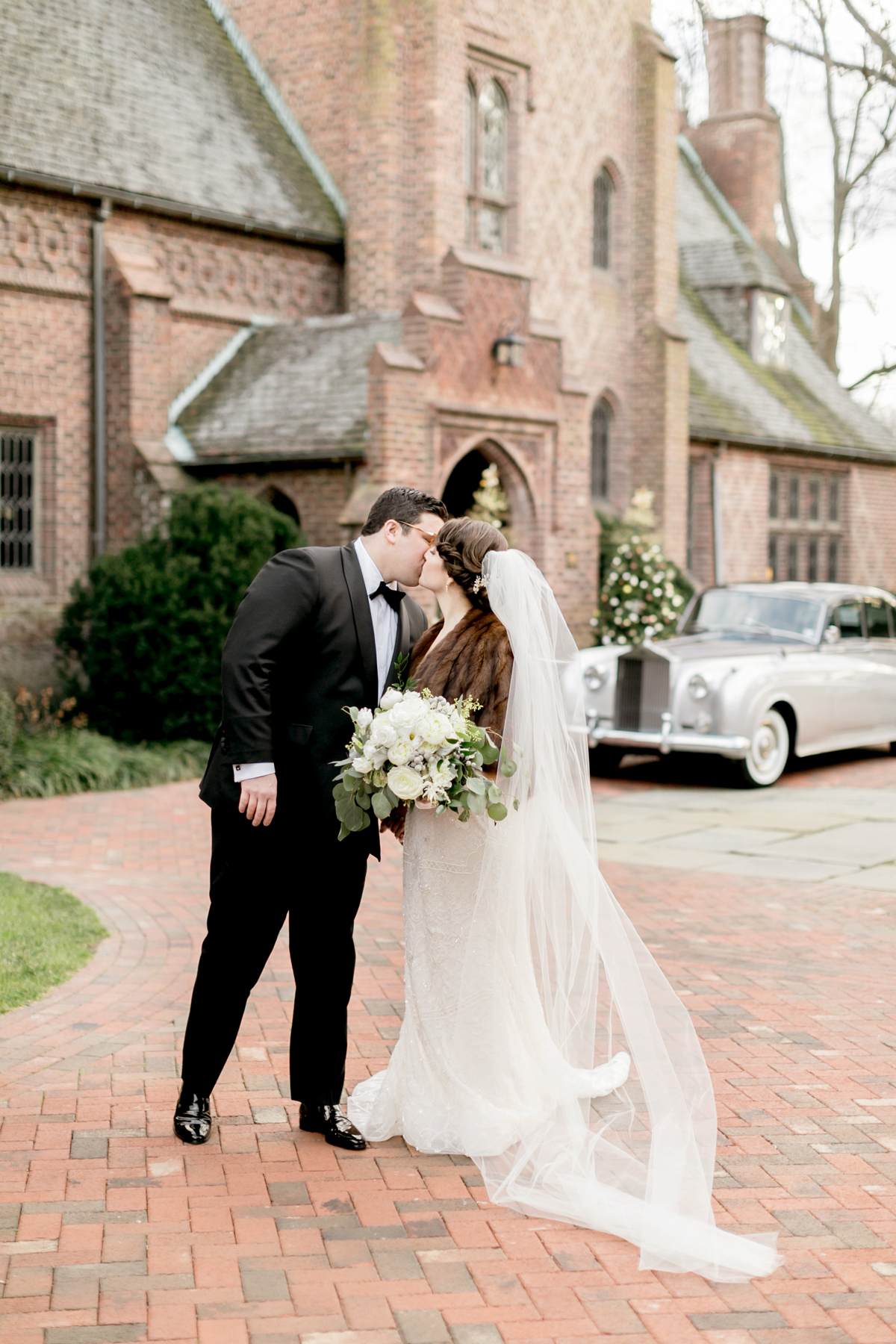 Vintage Winter Aldie Mansion Wedding | Philadelphia Wedding Photographer | Emily Wren
