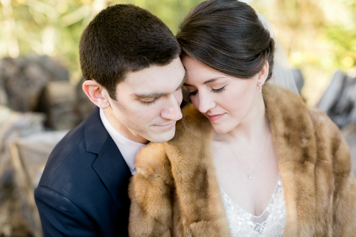 bride-groom-portrait-fur-stole