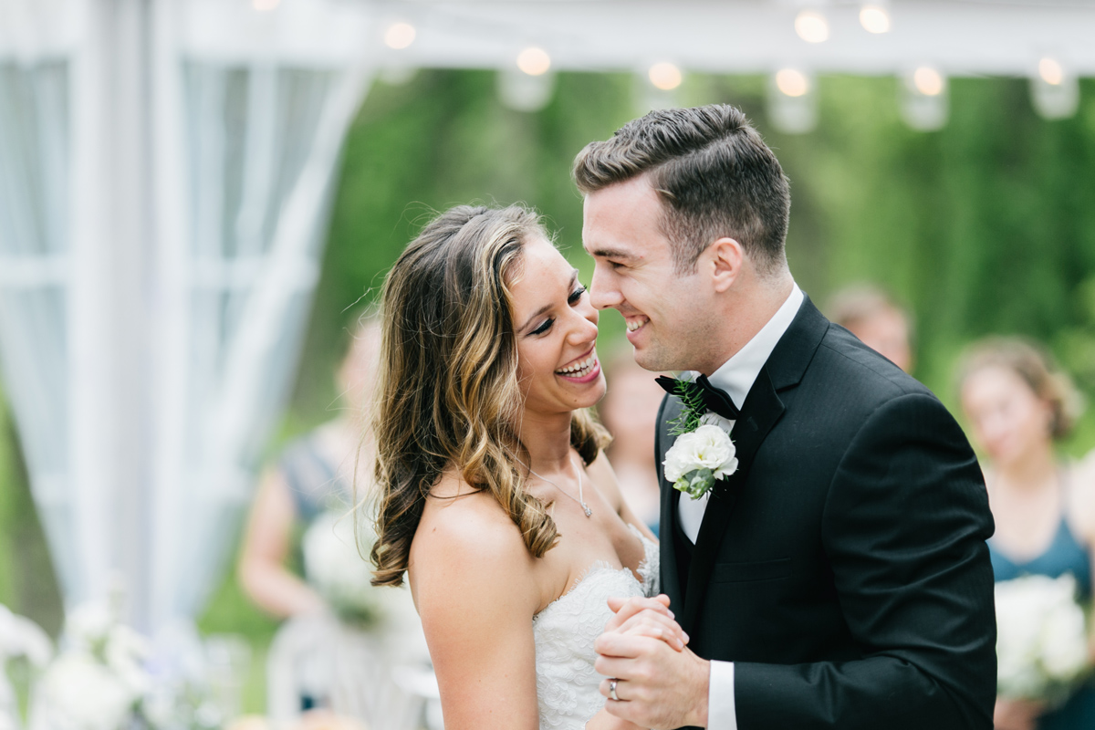 Natural White and Green Anthony Wayne House Wedding | Philadelphia Wedding Photographer | Emily Wren