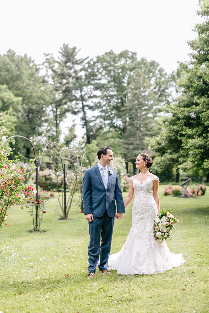 The Perfect Summer Garden Party Wedding At Glen Fored On Th Delaware Emily Wren Photography 38