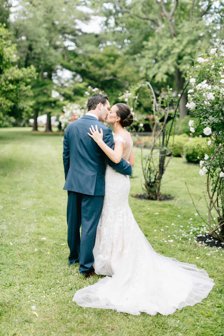 The Perfect Summer Garden Party Wedding At Glen Fored On Th Delaware Emily Wren Photography 48
