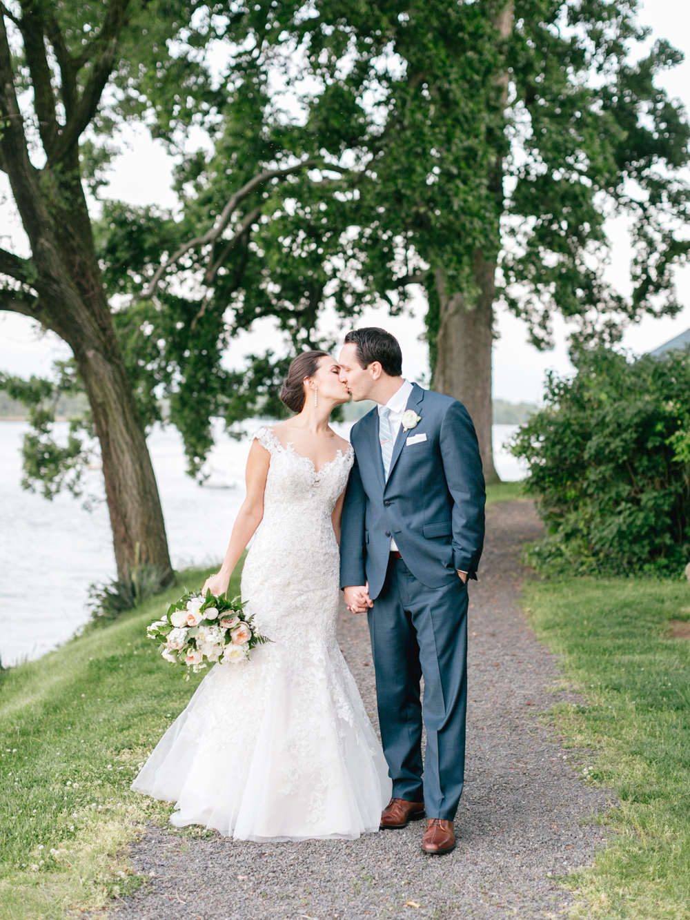 285 Emily Wren Photography Romantic Ethereal Glen Foerd Wedding