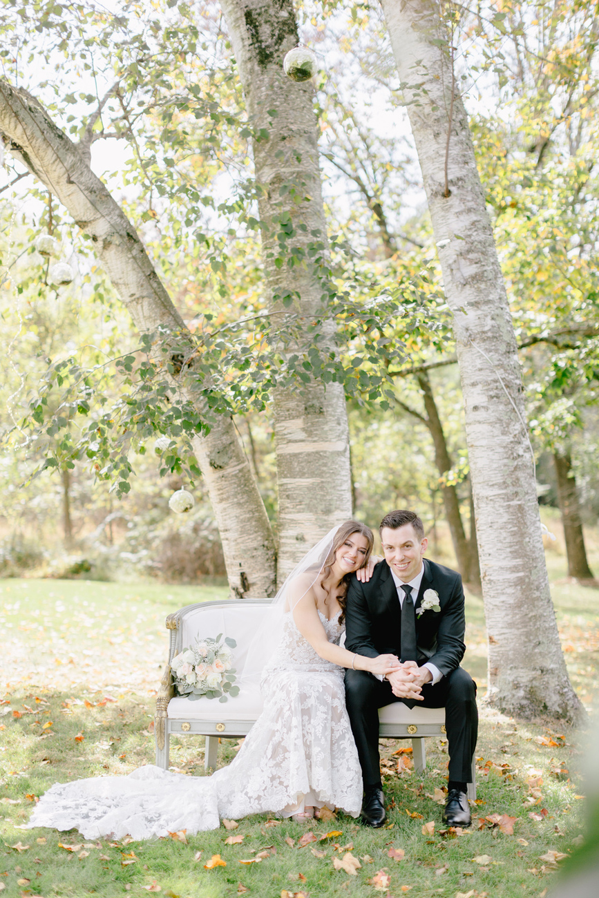 Madeline Mike Inn At Barley Sheaf Farm Romantic Whimsical Wedding Emily Wren Photography 028